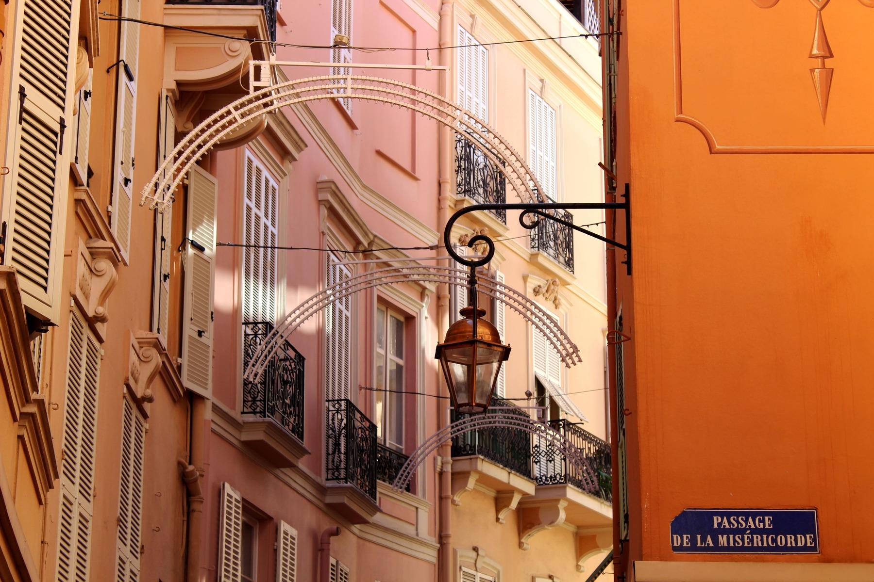 Monaco et ses ruelles traditionnelles