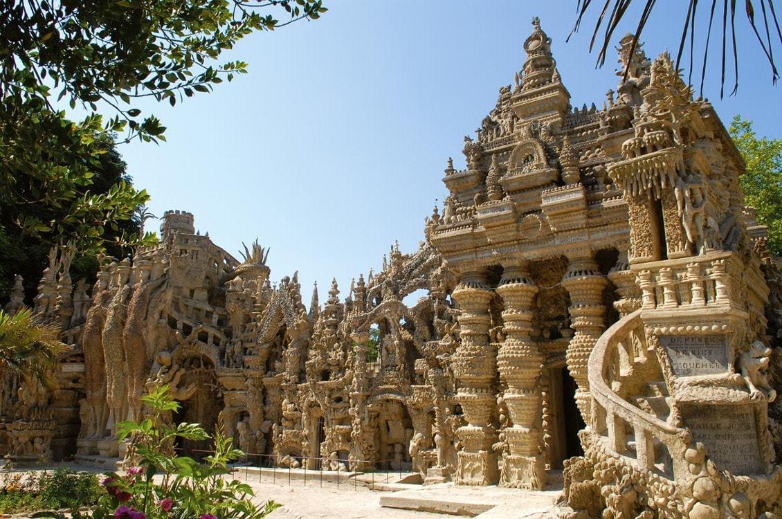 Le palais du facteur à cheval en France - les plus beaux paysages du monde observables en France