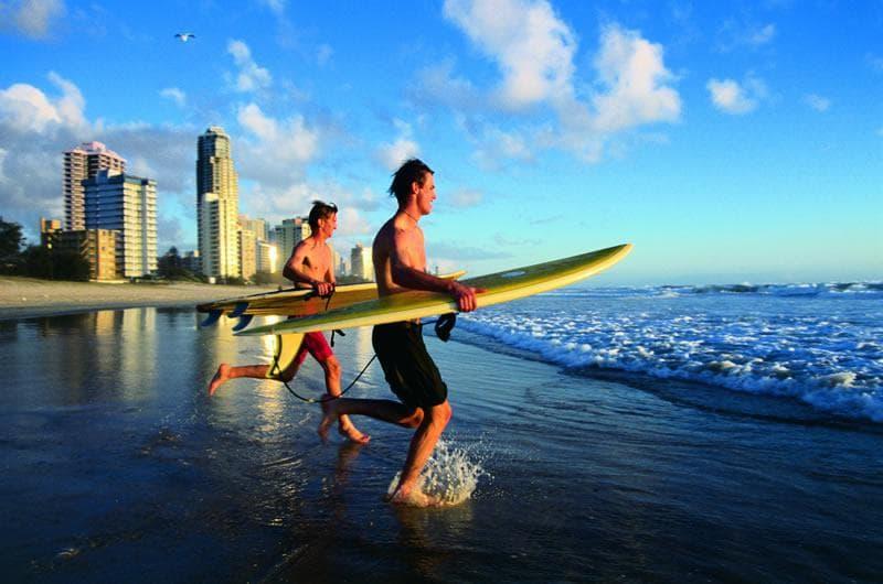 Surfer en Australie - Découvrez les plus beaux paysages du monde observables en France