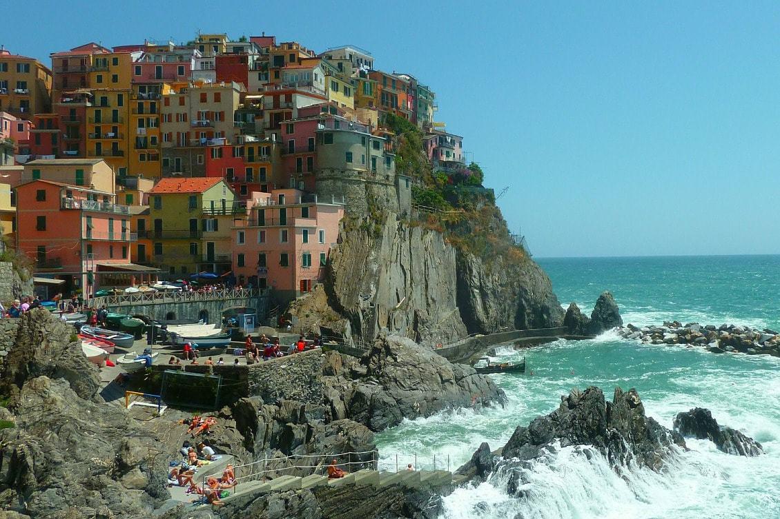 Village coloré en Italie pour visiter le monde en restant en France