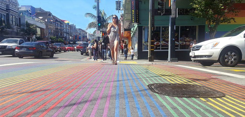 Le quartier du Castro et son passage piéton arc-en-ciel