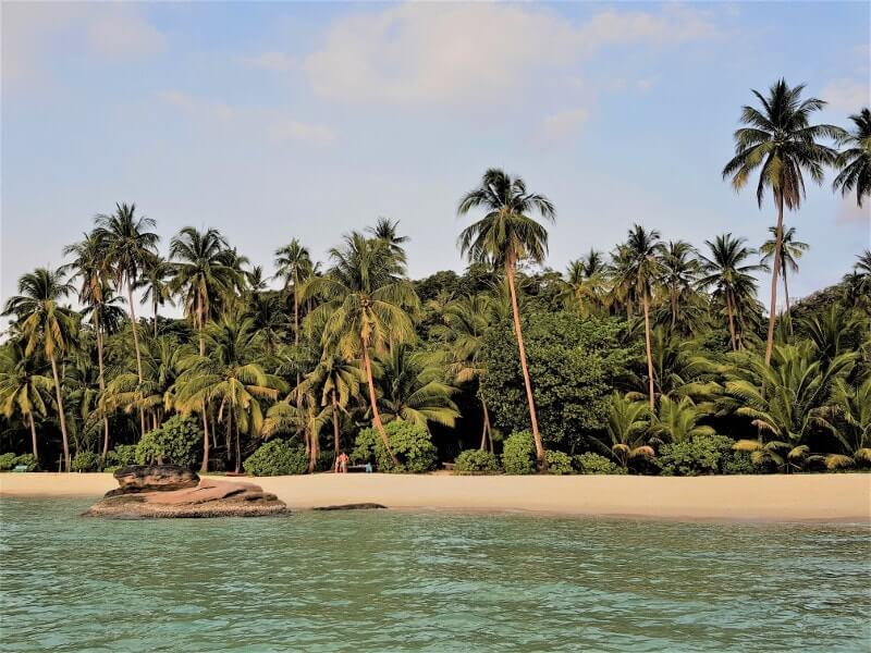 Koh-Kood-une-ile-aux-plages-paradisiaques-ao-noi-beach-plage-de-sable-blanc