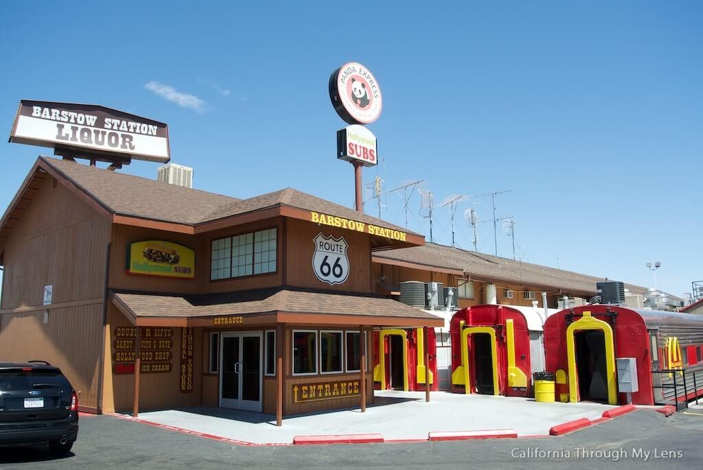 Route-de-Los-Angeles-a-Las-Vegas-train-mc-donalds