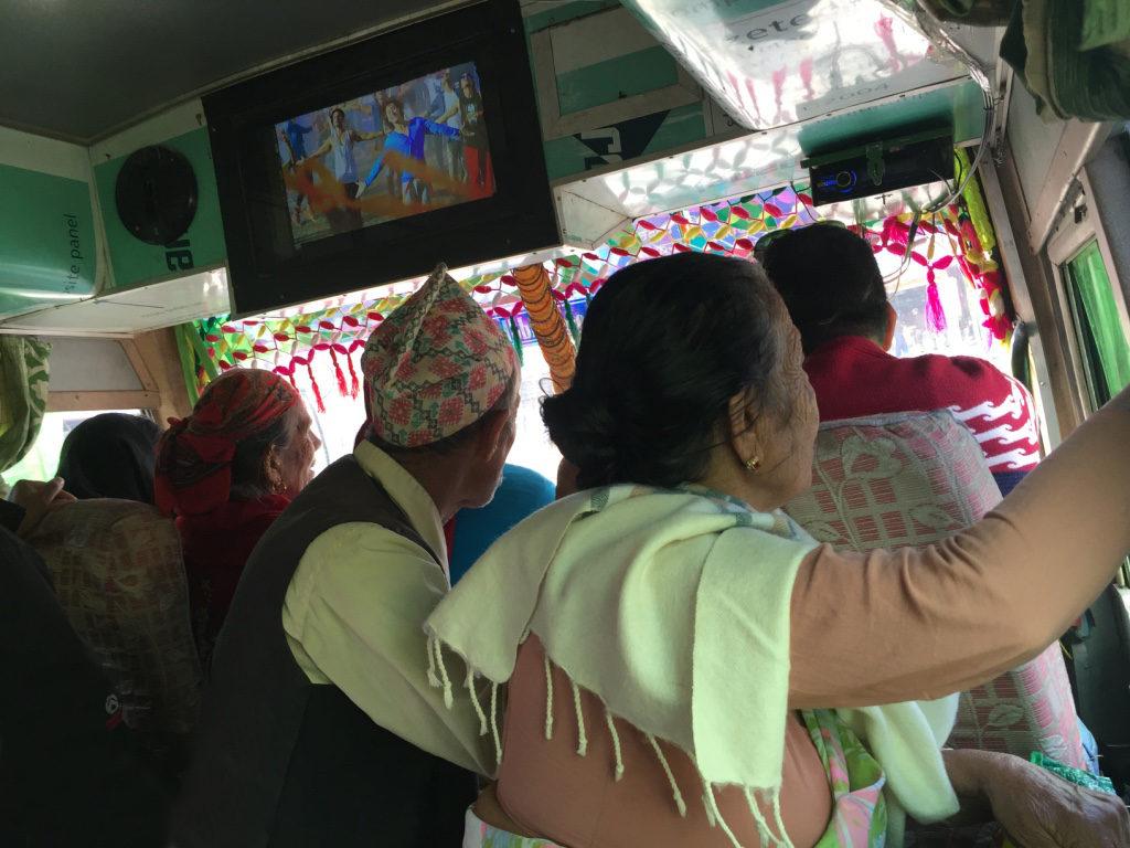 Bus (très) rempli - Annapurnas (Nepal)R