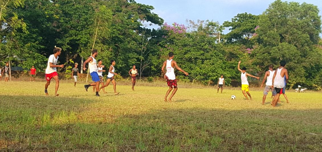Football avec les locaux - Gwa (Myanmar)