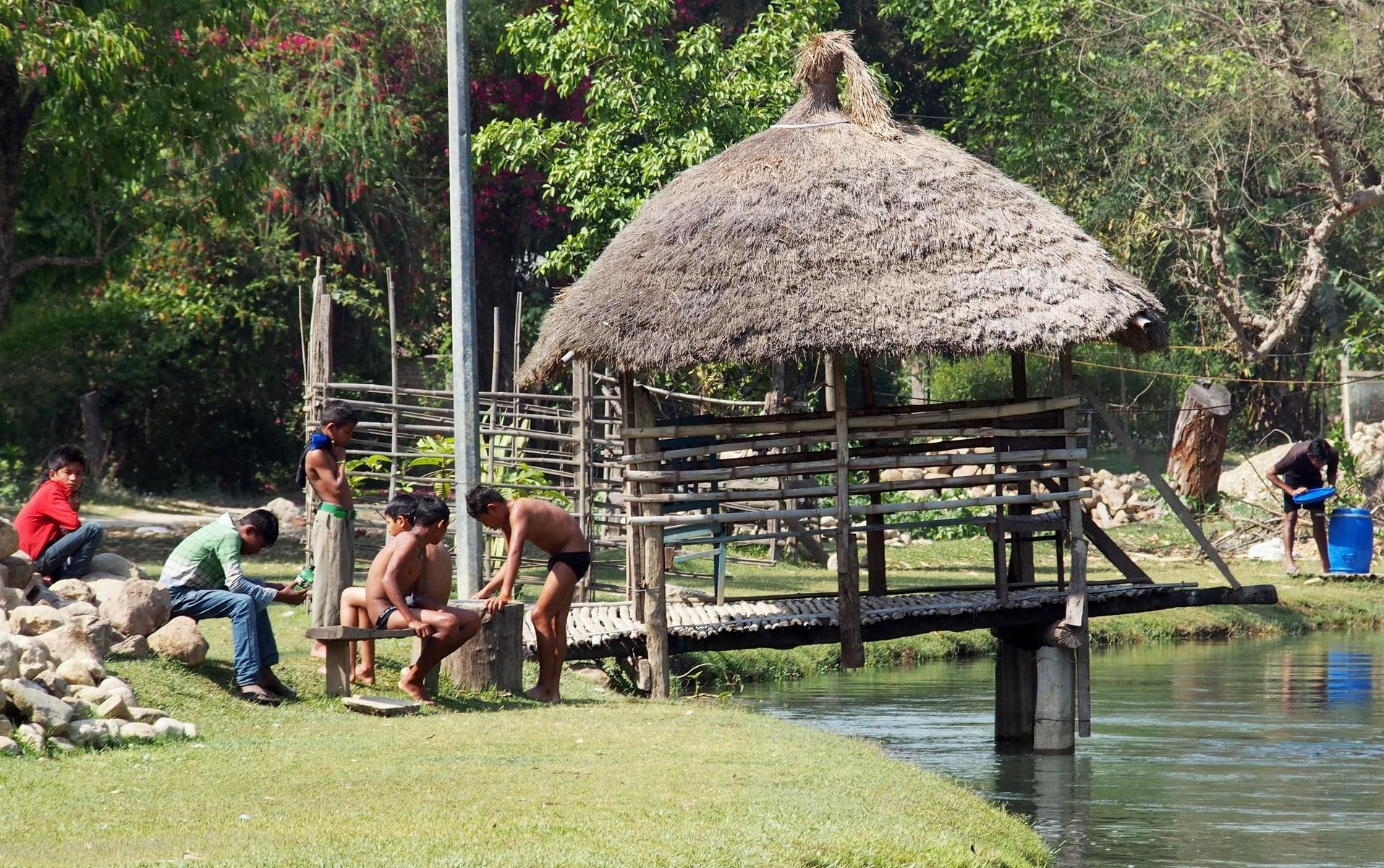 Baignade au village face au Racy Shade resort