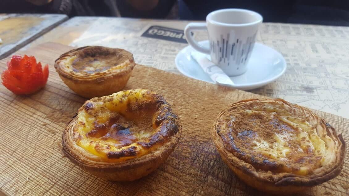 Visiter-Lisbonne-deguster-les-spécialités-lisboètes-les-pasteis-de-nata