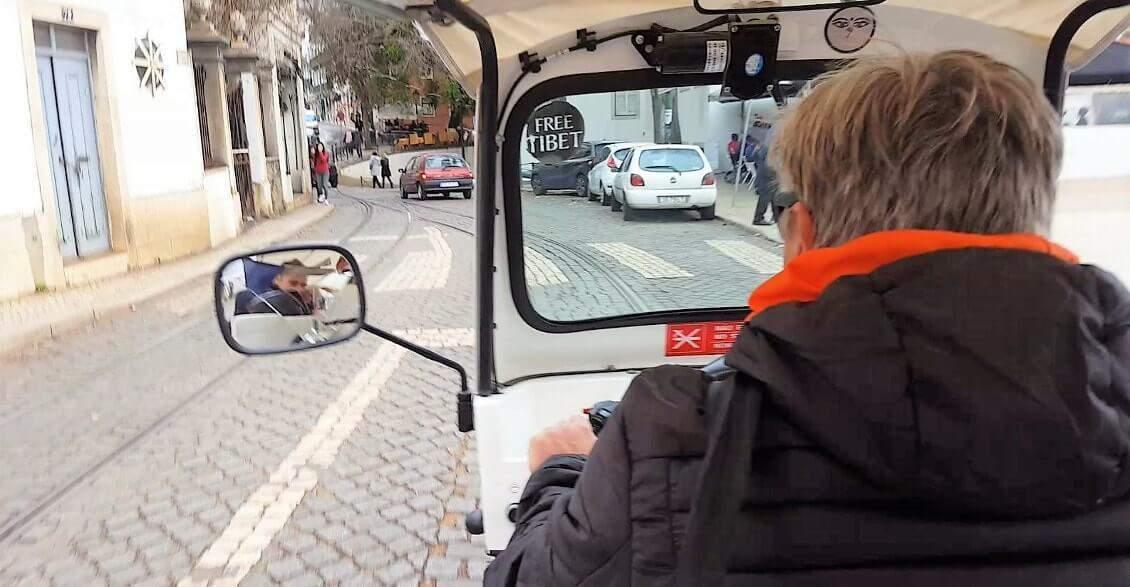 Visiter Lisbonne en faisant du tuk tuk