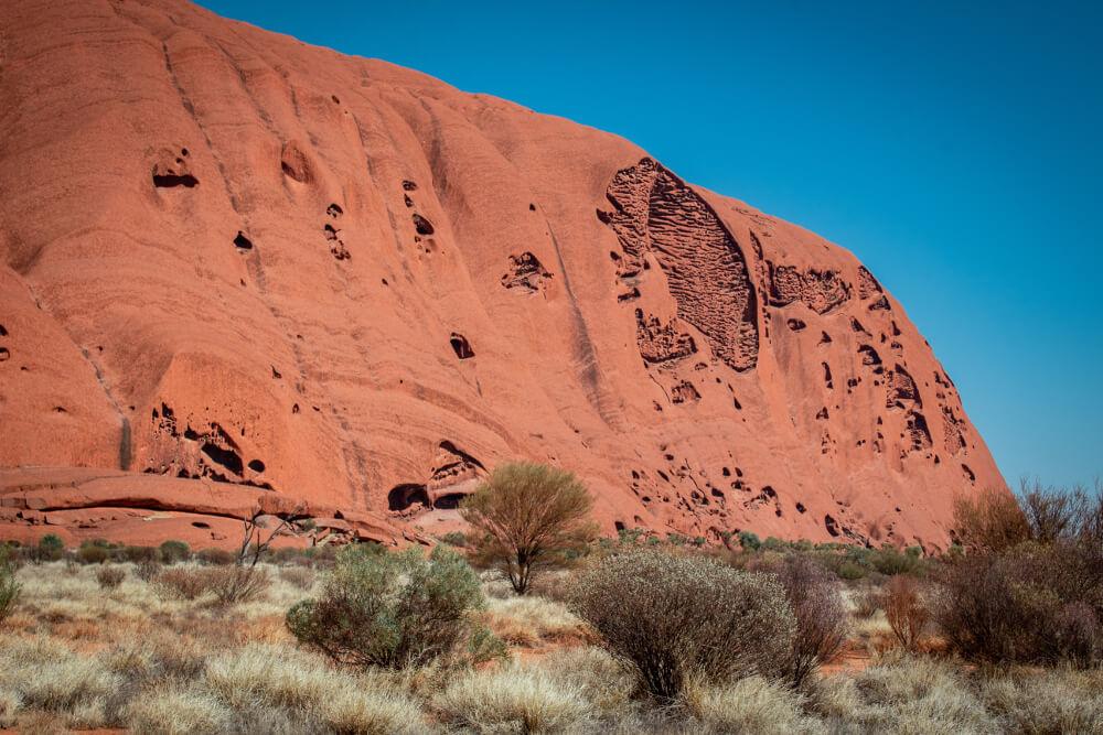 Uluru la base walk